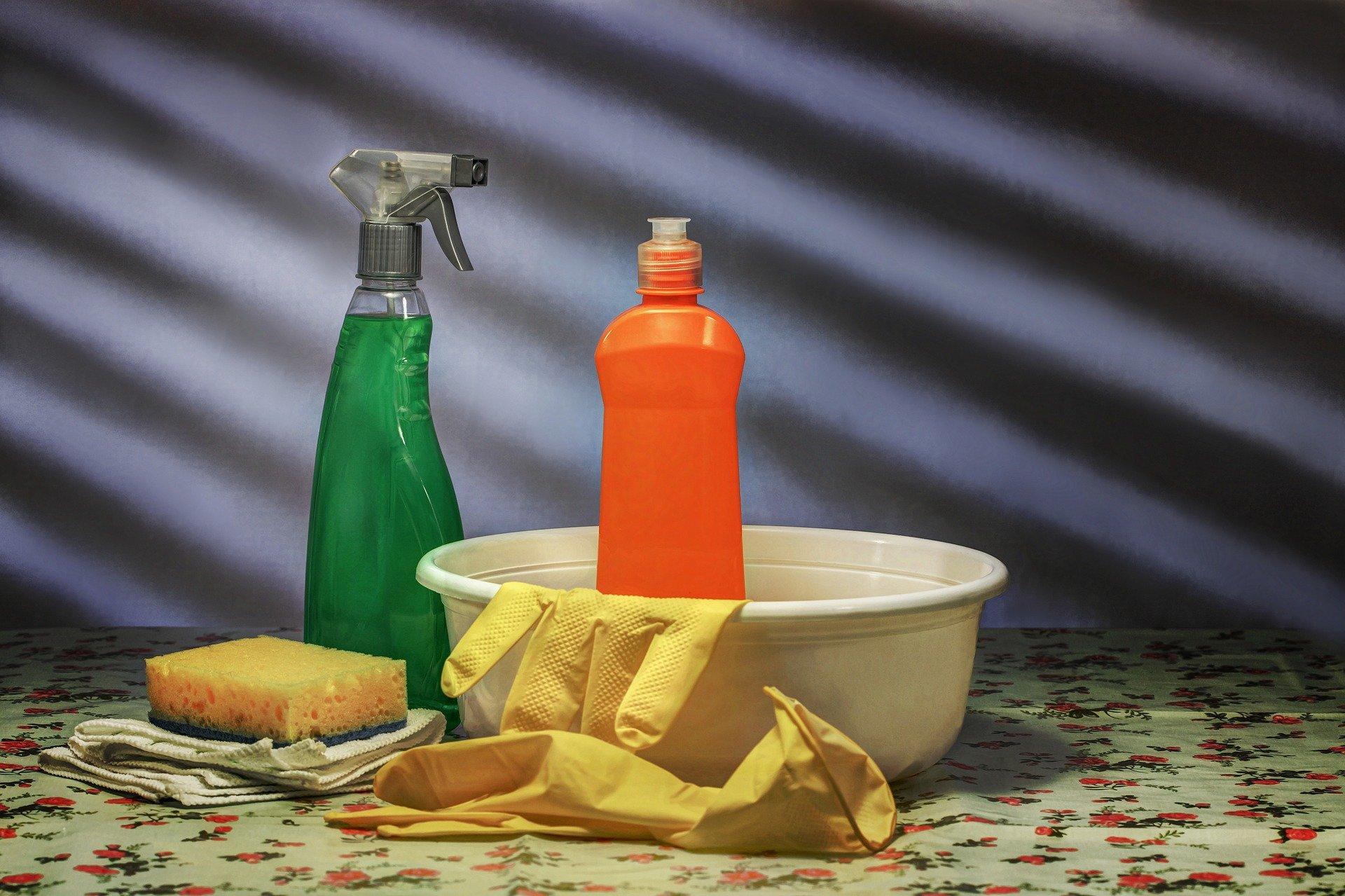 Jak czyścić plisy okienne? Praktyczny poradnik