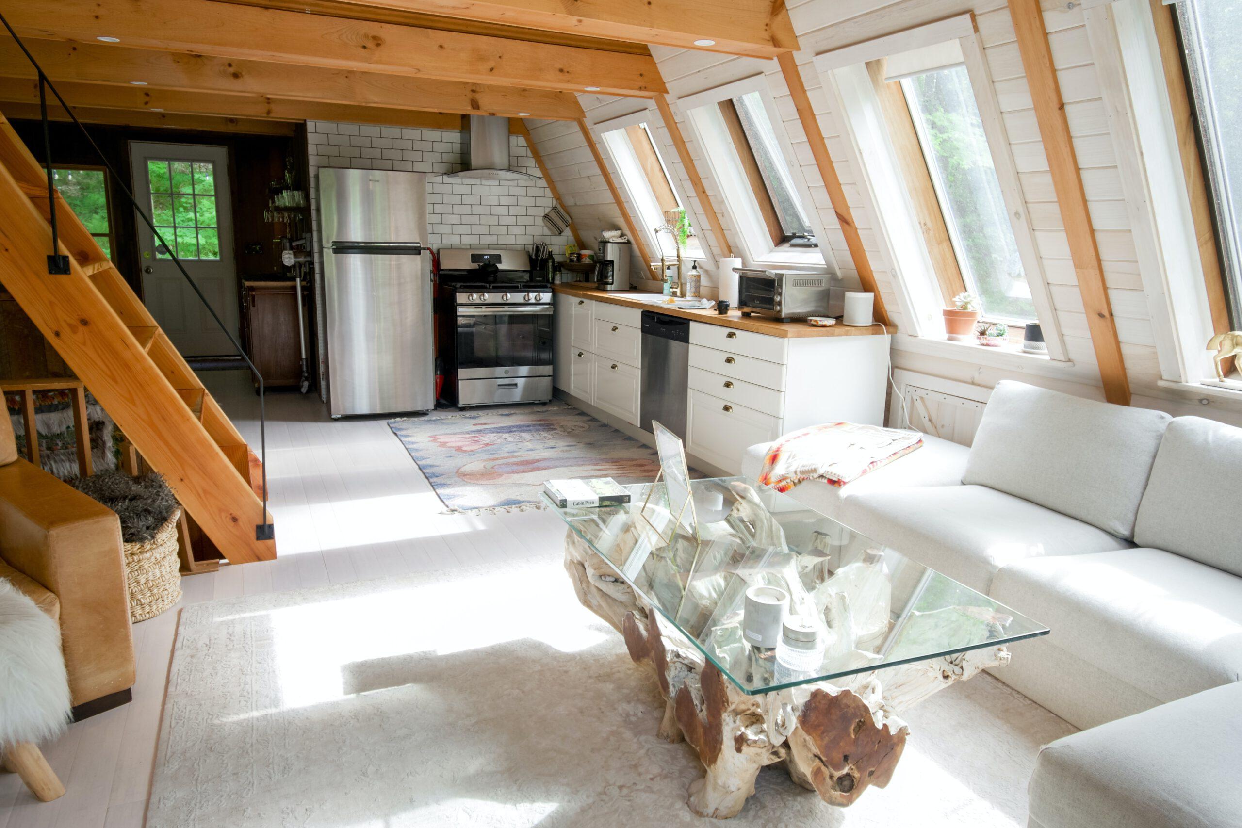 Jak osłonić okna na poddaszu? Przegląd propozycji